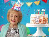 Glumica Beti Vajt proslavila 97. rođendan igrajući poker