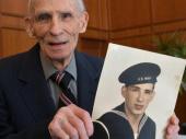 POSLE 74 GODINE: Američki ratni veteran konačno dobio diplomu srednje škole