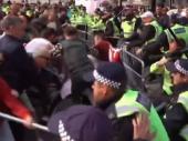 Raskol zbog Bregzita prelio se na ulice, Džonsona napustila još jedna ministarka VIDEO