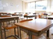 Zabranjen rad dvema školama u Srbiji