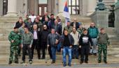 RATNI VETERANI ISPRED SKUPŠTINE: Država nema sluha za nas! (FOTO)