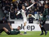 MIHA PREZNOJAVAO SARIJA: Prečka, Bufon i sudije sačuvali Juventusu tri boda protiv Bolonje