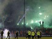 Olimpijakosovi huligani napali fudbalere PAOK-a, dvojica su povređena!