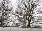 Srušena i uništena statua Zlatana Ibrahimovića u Malmeu