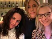 FIBI, MONIKA I REJČEL PONOVO ZAJEDNO: Glumica objavila zajedničku fotografiju, pa sakupila 7 MILIONA LAJKOVA - fanovi PLAČU OD SREĆE