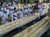 Indijski poslastičari napravili kolač od 6,5 kilometara