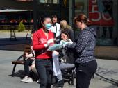 Kinezi pomažu i u Vranju: BESPLATNE MASKE za Vranjance (FOTO)