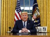 Tramp šalje vojsku da pomogne u žarištima epidemije