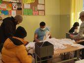 EU: Migranti u prihvatnim centrima koje je opremila EU pomažu narodu Srbije
