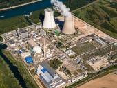 Kraj ere: Spektakularno rušenje dimnjaka ugašene nuklearke VIDEO