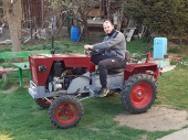 Majstor Perica sam napravio traktor za svoj merak