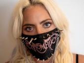 Lejdi Gaga: Budite svoji, ali nosite masku
