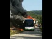 ZAPALIO se autobus kod Vranja VIDEO