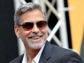 Džordž Kluni je jednom svojim prijateljima poklonio po milion dolara u kešu