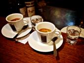 U rimskom kafiću zabranjeni razgovori o koroni