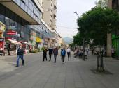 Zatvaranje kafića i tržnih centara za vikend? Krizni štab traži, država vrda