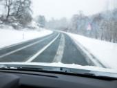 Upozorenje: Još ima SNEGA na putevima, pazite i na MAGLU