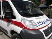 Prelazio put kada je naletelo vozilo: Teško povređen muškarac (55)
