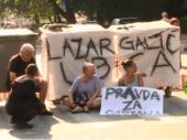 Građani i dalje blokiraju ulicu u kojoj je stradao dečak (9): Ne sklanjamo se, zahtevamo pravdu
