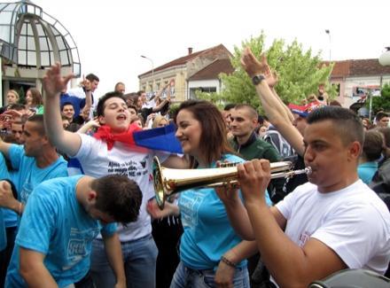 Maturanti Gimnazije slave (FOTO)