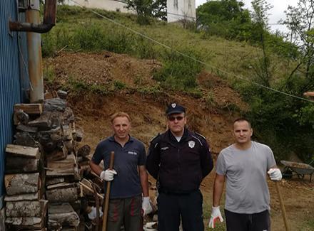 Policajci Srbi i Albanci otvorili put do crkve u selu Oraovica kod Preševa
